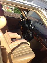 1983 240 D, stick shift. image 7