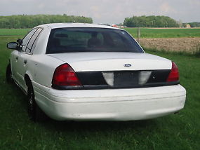 2004 Ford Crown Victoria P71 Police Car