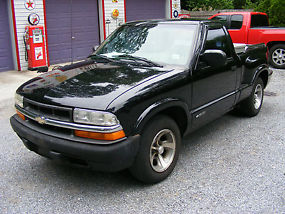 Real decent S-10 stepside 1999 Chevy S-10 pickup