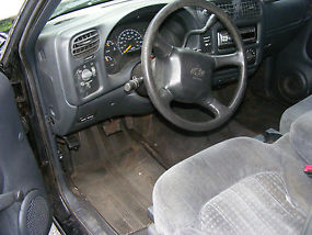 Real decent S-10 stepside 1999 Chevy S-10 pickup image 8