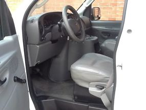 2005 FORD E350 EXTENDED VAN WITH A 6.0 DIESEL ENGINE AND SEATS 4 PEOPLE image 6