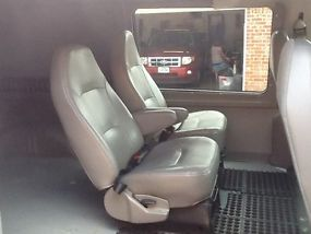 2005 FORD E350 EXTENDED VAN WITH A 6.0 DIESEL ENGINE AND SEATS 4 PEOPLE image 7