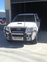 2010 Toyota Hilux Dual Cab image 3