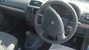 Renault Clio 1.4 16v Expression 5 Door Manual image 5