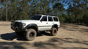 Toyota Landcruiser (4x4) (1993) 4D Wagon Automatic (4.5L - Electronic... image 4