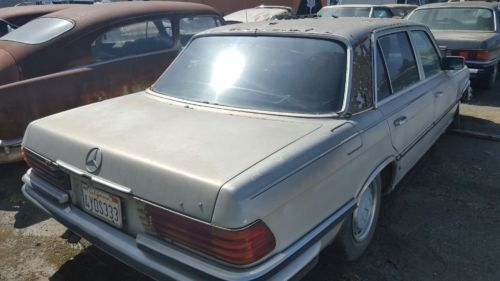 1976 Mercedes-Benz 400-Series SEL image 8