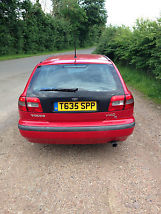 VERY LOW MILEAGE Practical economical and safe family estate car image 2