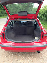 VERY LOW MILEAGE Practical economical and safe family estate car image 4