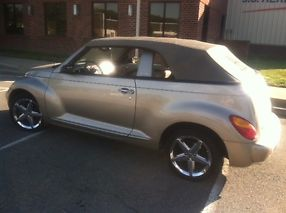 2005 Chrysler PT Cruiser GT Turbo 5 Speed 10,100 miles! Original Owner Leather image 4